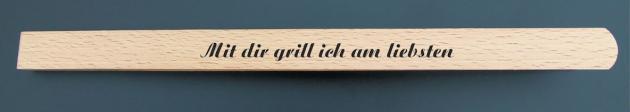 Grillzange aus Holz mit Gravur